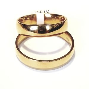 New stainless gold tone ring large size 15, 16